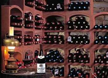 amenagement-cave-rangement-bouteilles-bloc-cellier-3-rouge