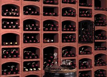amenagement-cave-rangement-bouteilles-bloc-cellier-5-rouge